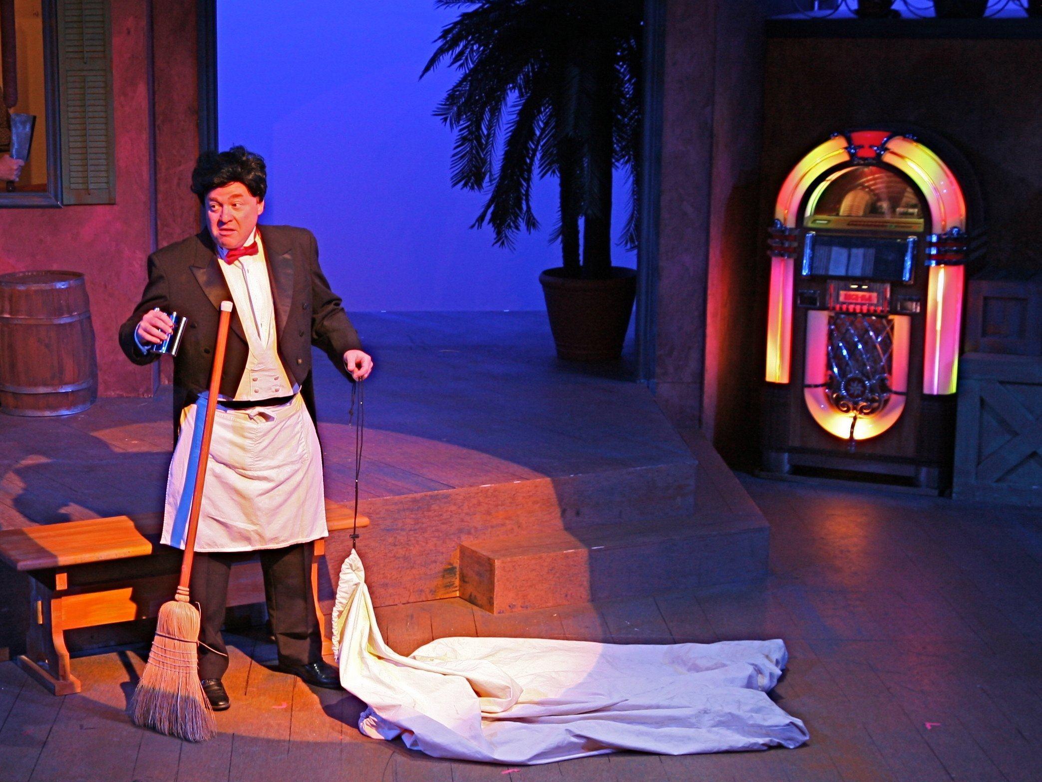 Italian Waiter as Irish Tenor, The Danny Boy Scene, Wyntner Woody as Headwaiter in Scapino